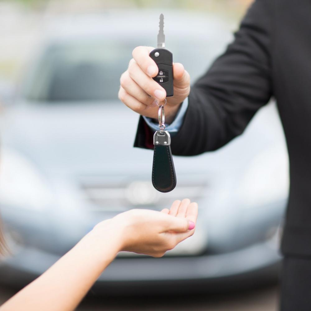 Kľúče od auta - leasing a úver